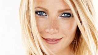 "Gwyneth Paltrow Aims To End ""Mommy Wars"""